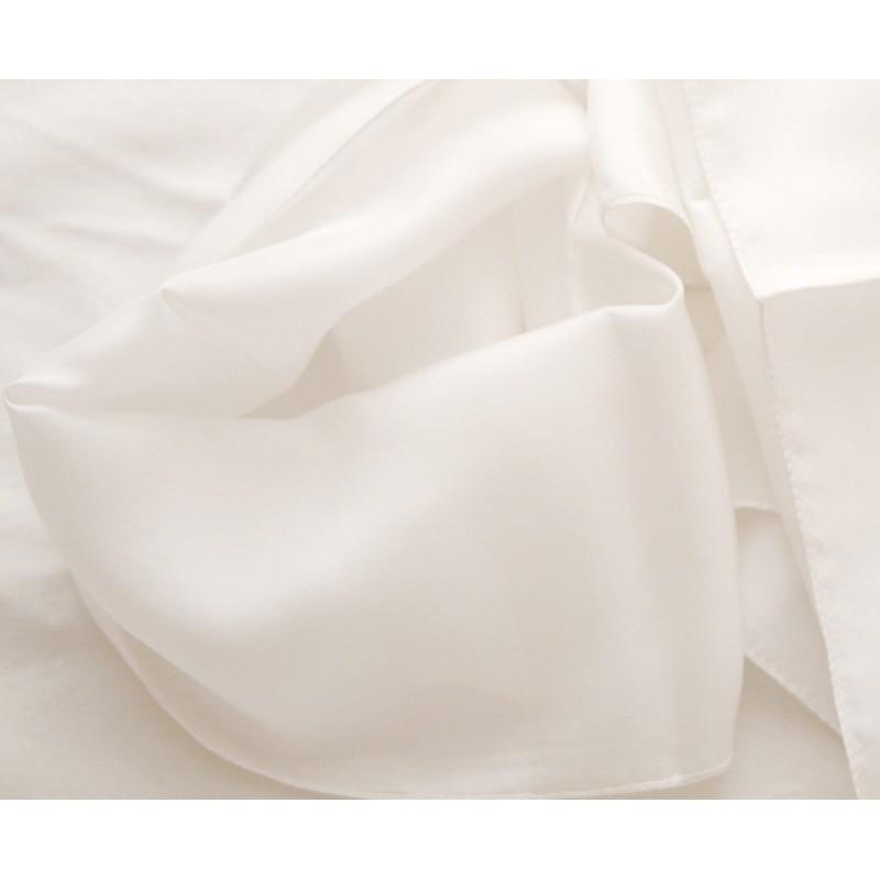 9adf9df6ede4 foulard pure soie, très belle qualité, blanc, livré en coffret cadeau