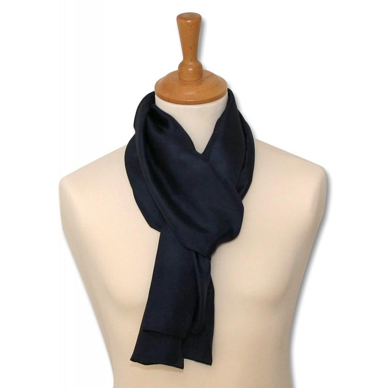 1279c74fd522 foulard pure soie, très belle qualité, bleu marine, livré en coffret ...